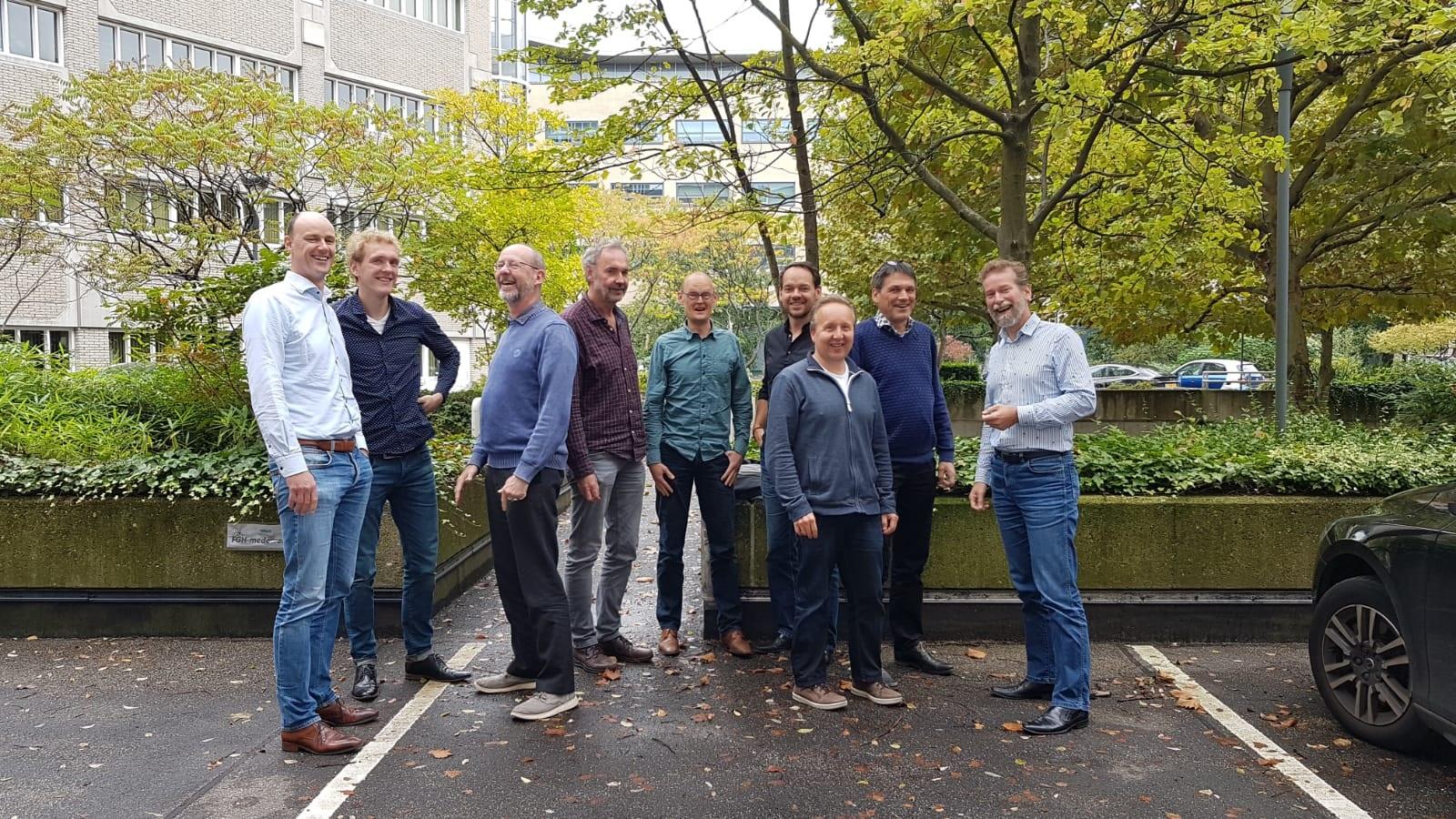 Stuurgroep die betrokken is bij het unieke satelliet project